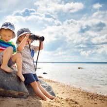 toddlers beach binoculars